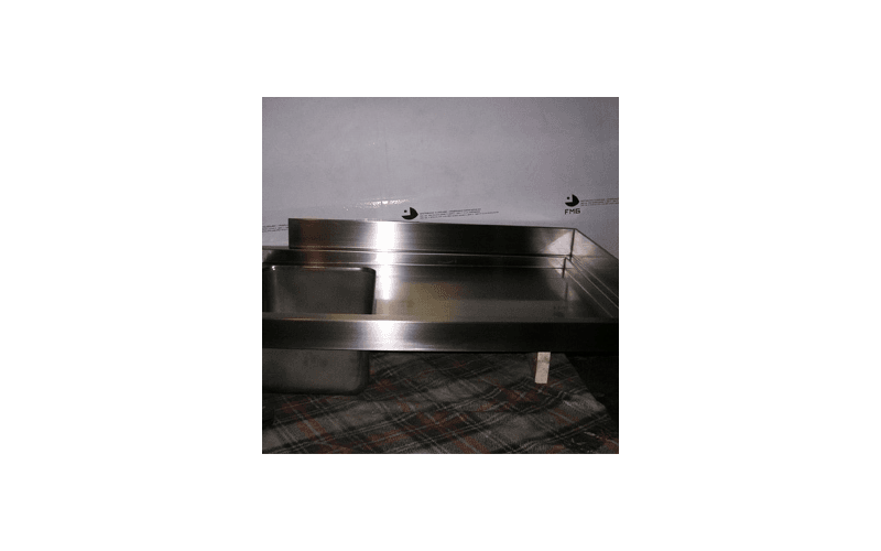 lavandino in acciaio