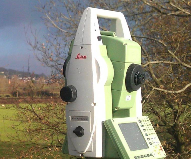 leica-surveying-device
