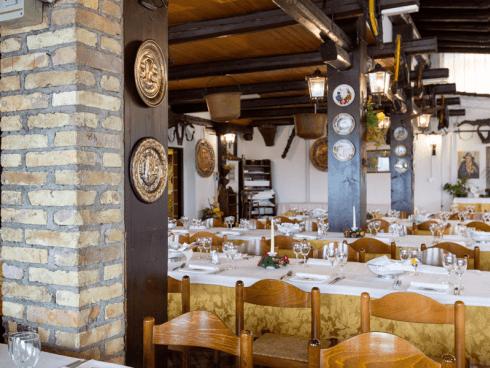 Alla Vecchia Fattoria vanta un ambiente rustico. Personalizza il tuo menu.