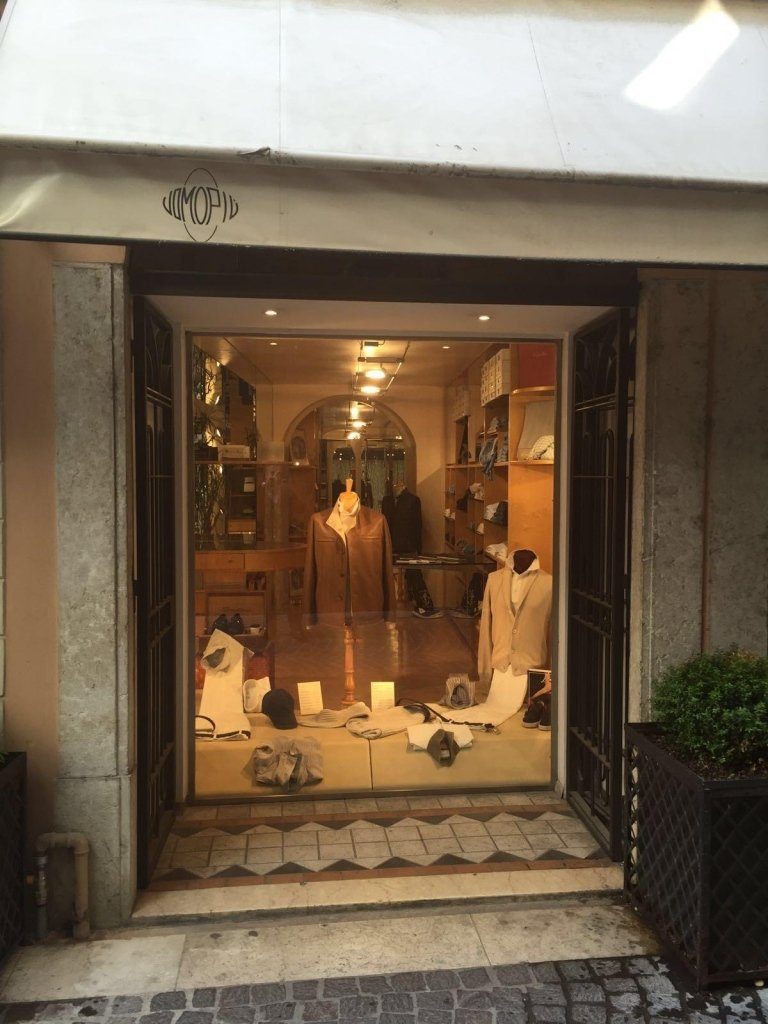 boutique Uomo Più