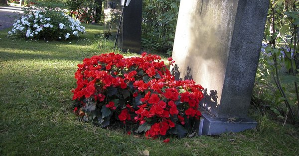 Ground burial services in Cincinnati, OH