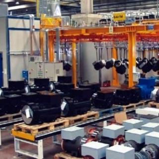 Impianto automatico di verniciatura a liquido con robot e trasportatore birotaia