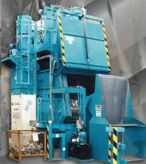 Impianto di granigliatura a tappeto per fonderia