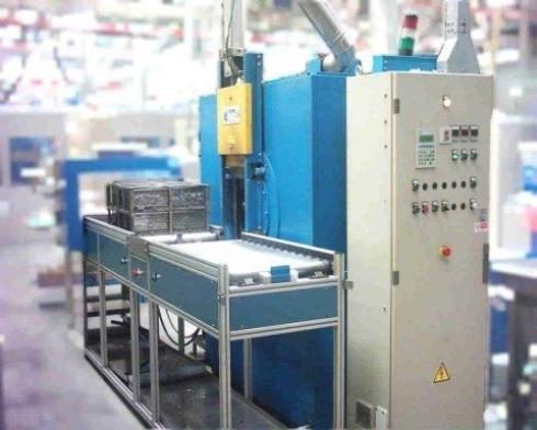 Impianto di lavaggio a cestelli di tipo idrocinetico con ultrasuoni
