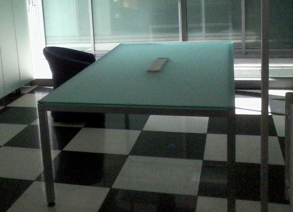 tavolo in vetro da ufficio