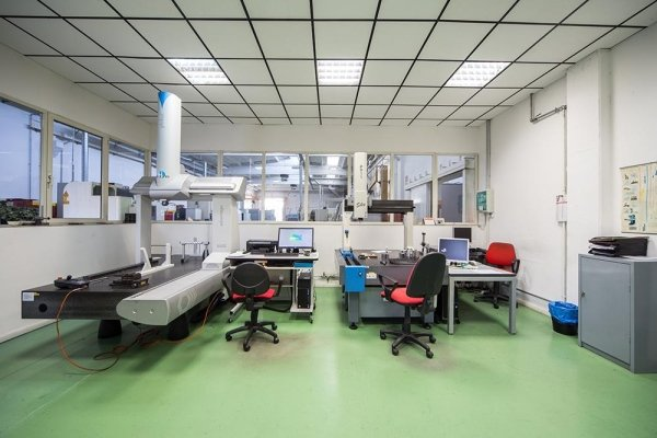 sala metrologica e uffici produzione cgm