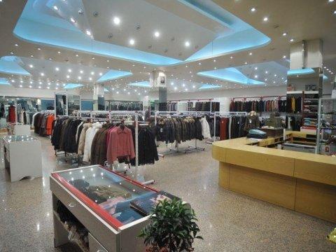interno di un negozio di abbigliamento