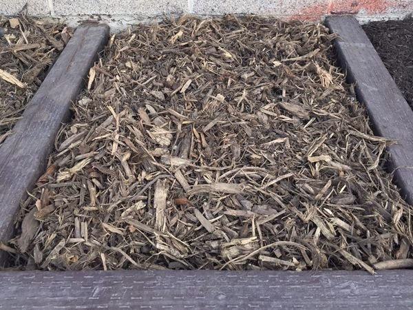 Natural Mediaum Coarse Mulch for sale Salt Lake City - Mark's Lawn and Garden Supply