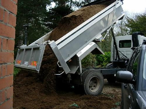 Small topsoil deliveries also available (12 yards or less)