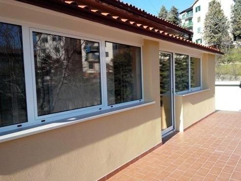 vetrate di un edificio
