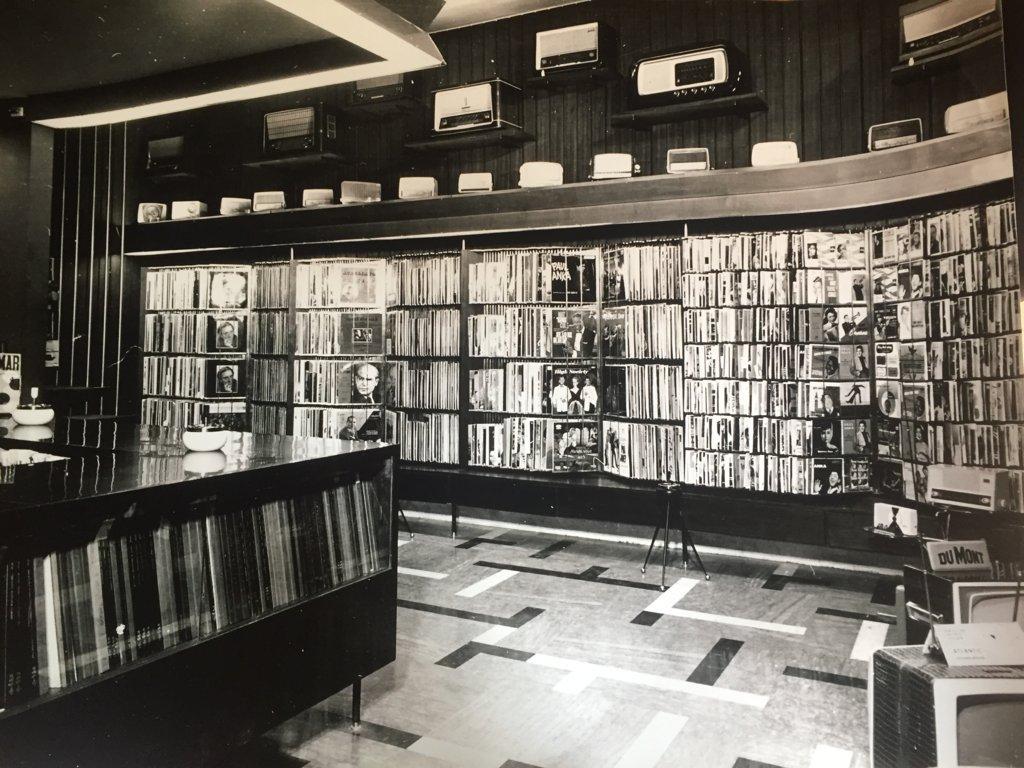 Espositori con dischi in vinile