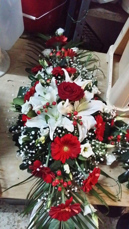 bouquet fiori bianchi e rossi
