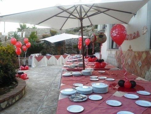 decorazioni a palloncini per evento all'aperto