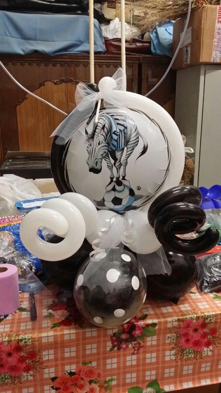 palloncini bianchi e neri