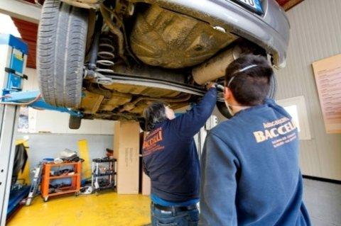 ripristino fari, riparazioni meccaniche, ricarica aria condizionata
