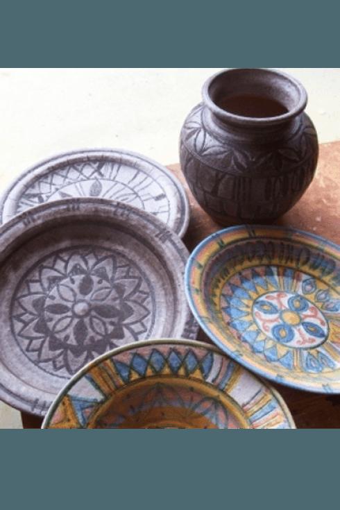 I nostri piatti si possono appendere in cucina come decorazione.