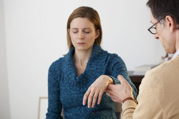 A patient in a hypnotherapy session