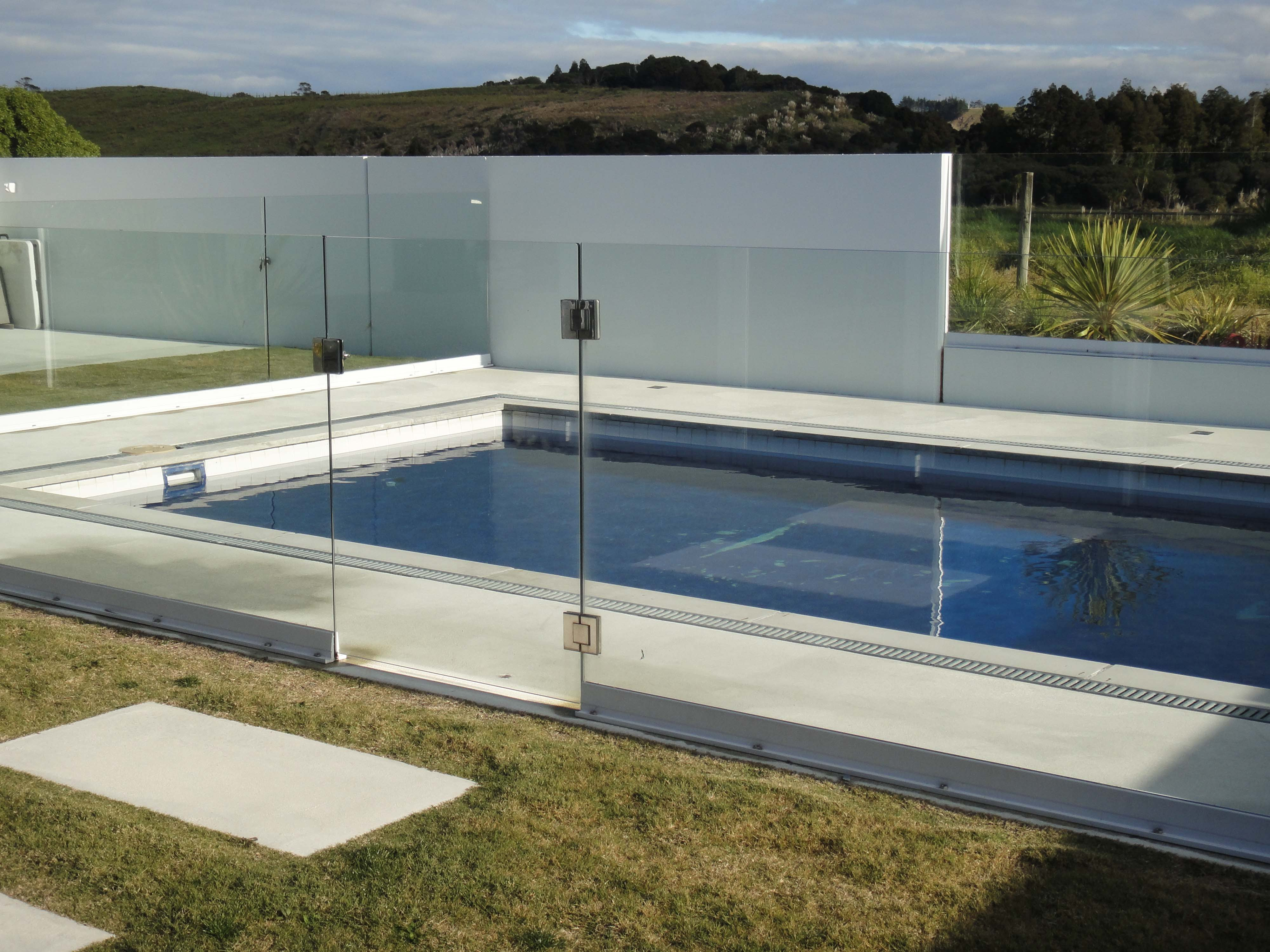 Pool Glass Installation in Auckland