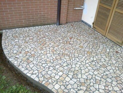 pavimento in ceramica esterno