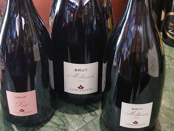 tre bottiglie di spumante Brut
