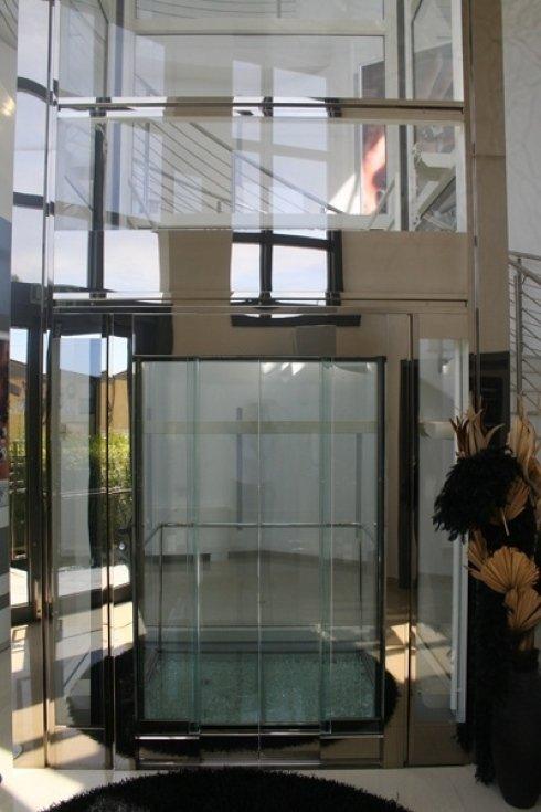 Porta ascensore