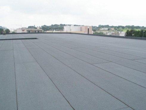 isolamento di tetti di fabbriche