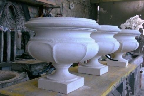 Manufatti in cemento e gesso e stucchi decorativi