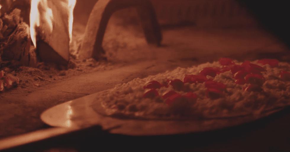 pizza nel forno