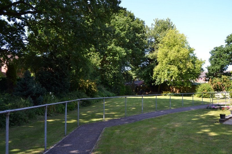 Avon Park Care Home - walking grounds