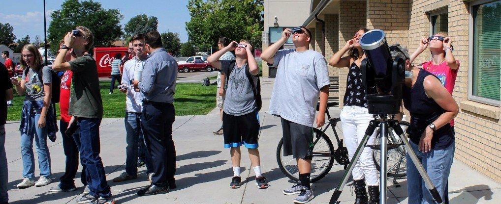 EHS views solar eclipse