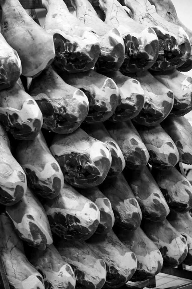 Affinage des jambons Charcuterie Benese