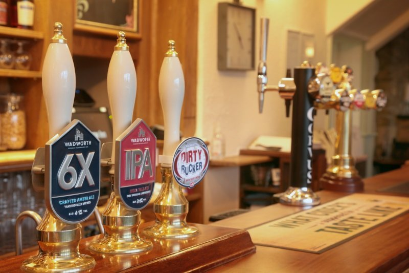 Bar food, lunch and restaurant food at the George Inn, Sandy Lane, Chippenham.