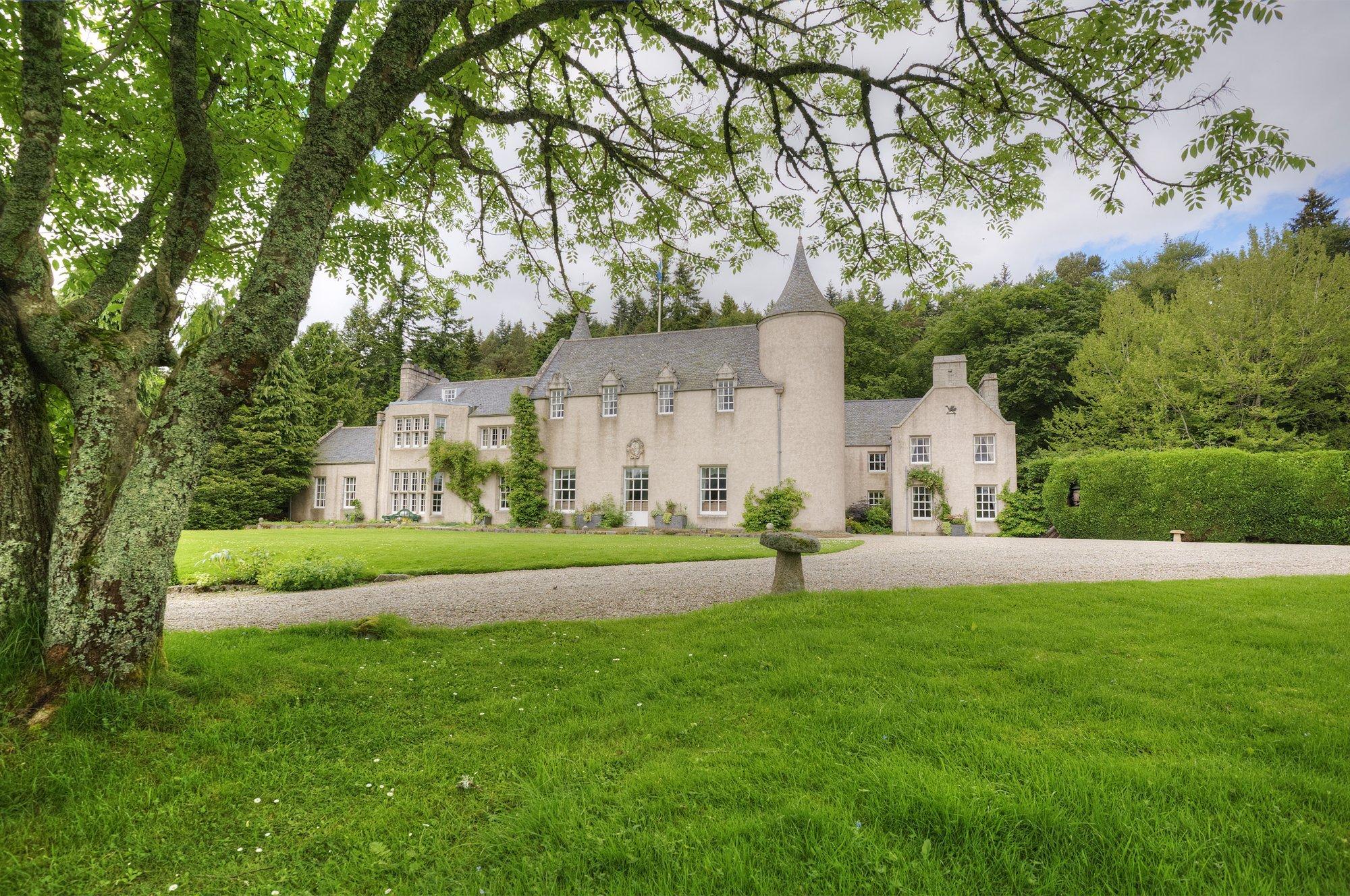 Candacraig House