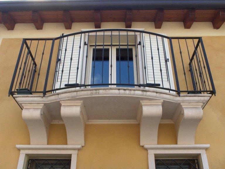 Ringhiere, Inferriate e Balconi