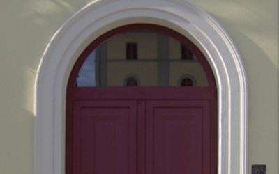 Porta da ingresso con sopraluce fisso