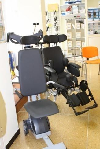 Presso il negozio di Genova si vendono moderni deambulatori elettrici per disabili