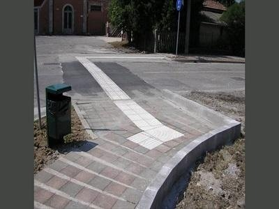 costruzione accessori stradali
