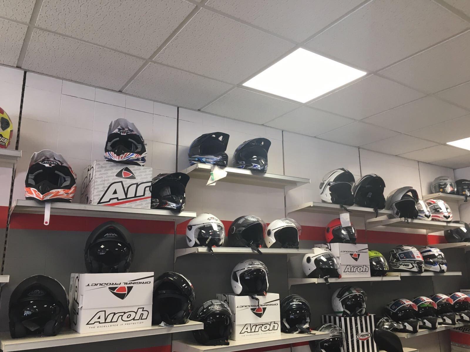 vendita caschi e accessori moto
