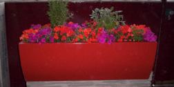 vasi per fiori, realizzazione vasi, produzione vasi in vetroresina