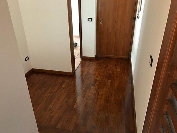 I pavimenti sono stati ricoperti di legno