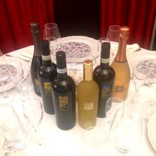 Una vasta scelta di vini di qualità nel Ristorante Caciucco