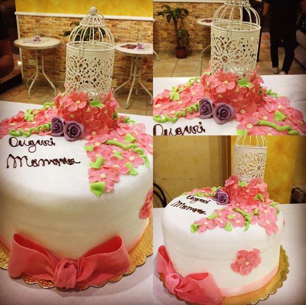 torta di compleanno per la mamma