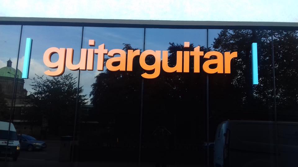 guitarguitar sign