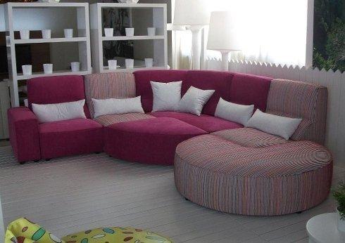 divani con penisola, tessuti di alta qualità, illuminazione