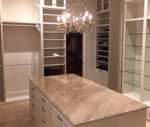 custom-closet-storage-design-with-island