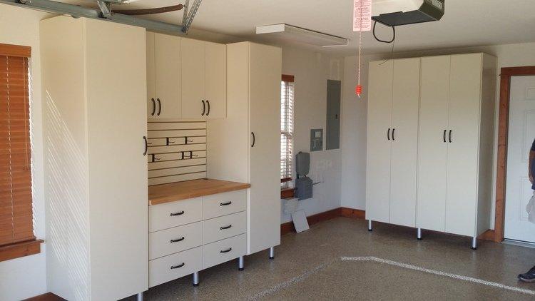 workstation with side storage