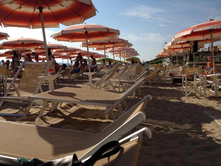 Spiaggia Attrezzata - Tropicana Beach, Follonica (GR)