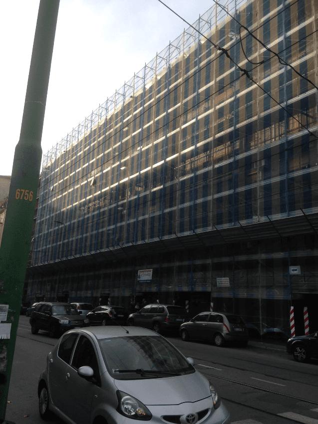 Opere di manutenzione delle facciate e delle parti in ferro presso l