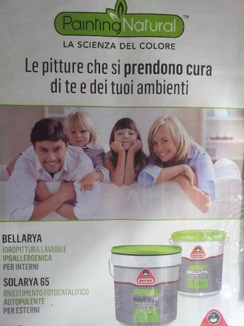 Cartello di propaganda di pittura ipoallergenica