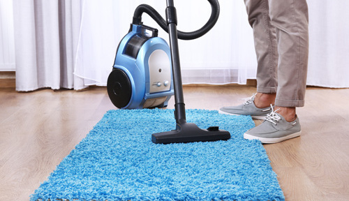 Cleaner doing carpet cleaning in Berlin, WI